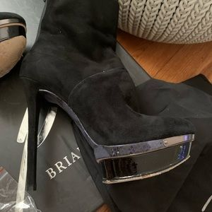 BRIAN ATWOOD BOOTS SZ 9   BLACK suede platform